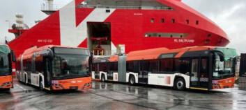 De første nye trolleybussene på plass