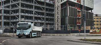 Volvo setter el-datoer