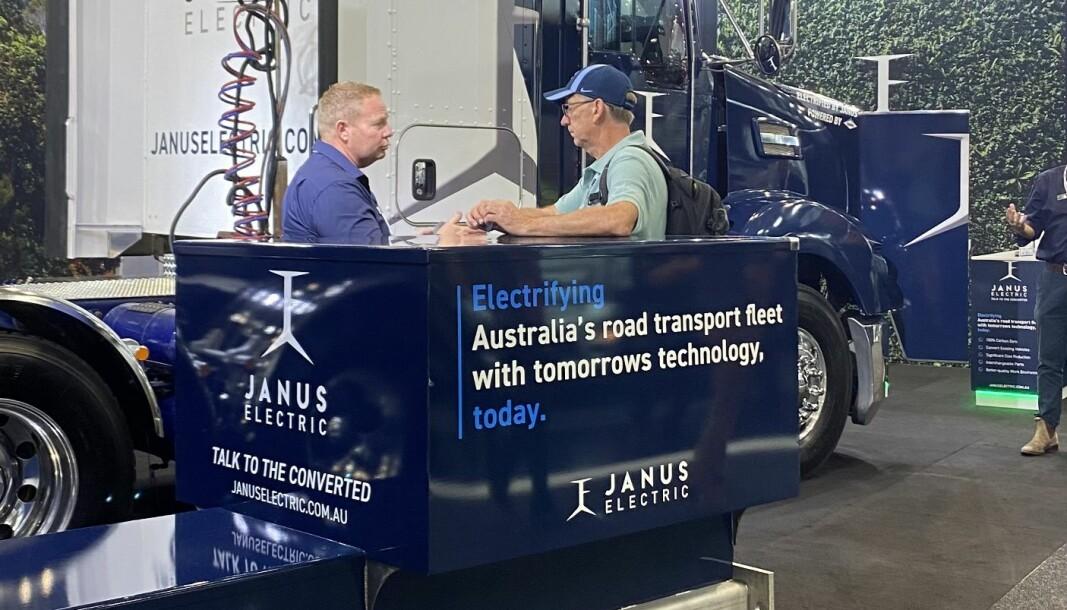 Australske Janus Electric tilbyr batteribytte for elektriske lastebiler.