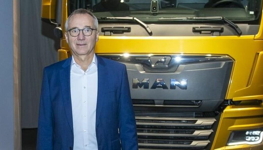 MAN-sjef Andreas Tostmann bekrefter nå at produsenten skal ta farvel med diesel, og starte serieproduksjon av batterielektriske tunge lastebiler i 2024.