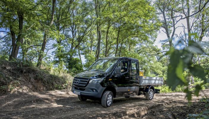 Nye Sprinter 4x4 vil være tilgjengelig i kombinasjon med motoren OM 654 på 190 hk og 9G-TRONIC automatgir, med en totaltvekt fra 3,5 tonn, og helt opp til 5,5 tonn.